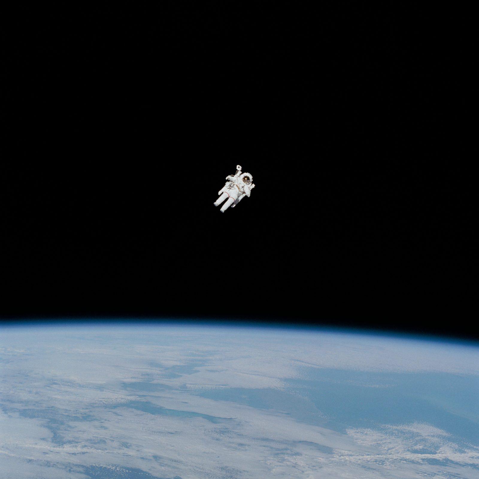 Ensam astronaut